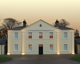 Luton Hoo Hotel, Golf And Spa - Luton - Building