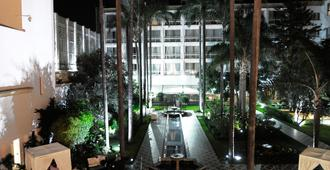 Hotel La Tour Hassan Palace - Rabat - Bể bơi
