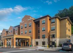 Best Western Plus Franciscan Square Inn & Suites Steubenville - Steubenville - Building