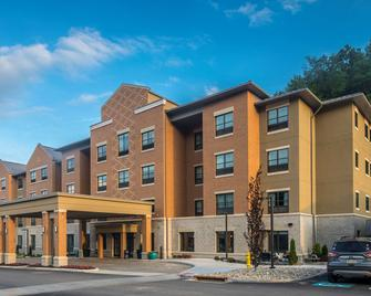 Best Western Plus Franciscan Square Inn & Suites Steubenville - Steubenville - Building