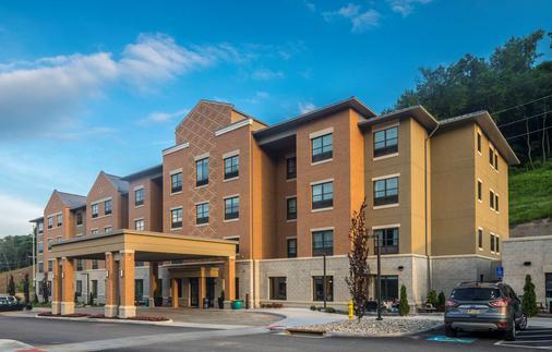 Best Western Plus Franciscan Square Inn & Suites Steubenville - Steubenville - Gebäude