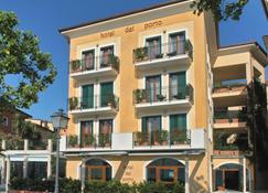 Hotel del Porto - Torri Del Benaco - Building
