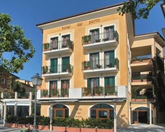 Hotel del Porto - Torri Del Benaco - Gebouw