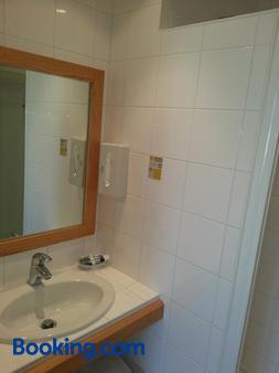 Family Golf Hotel - Royan - Bathroom
