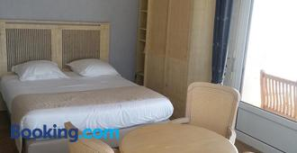Family Golf Hotel - Royan - Bedroom