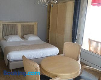 Family Golf Hotel - Royan - Schlafzimmer