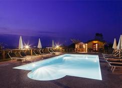 Il Grappolo Vacanze - La Morra - Pool