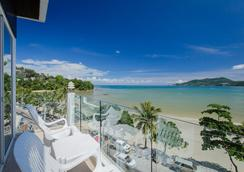The Front Hotel and Apartment - Patong - Balkon