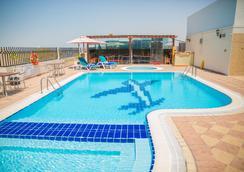 Saffron Boutique Hotel - Dubai - Pool