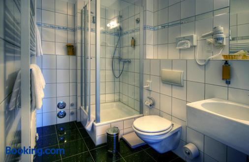 瓦爾納明德庫派克酒店 - 羅斯托克 - 羅斯托克 - 浴室