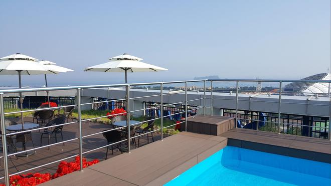 Value Hotel Worldwide Seogwipo Js - Seogwipo - Parveke