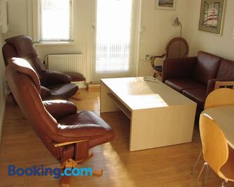 Hotel Strandvejen Apartment 1 - Skagen - Living room