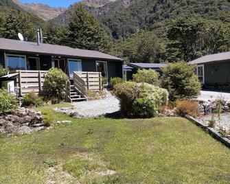 Arthur's Pass Alpine Motel - Arthur's Pass - Außenansicht