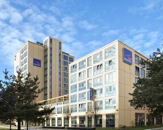 Novotel Suites München Parkstadt Schwabing - Munchen - Building
