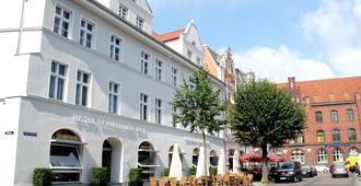 Hotel Schweriner Hof - שטרלזונד - בניין
