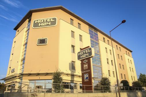 H24 Hotel - Le Mans - Building
