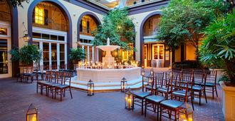 Hotel Mazarin - New Orleans - Patio