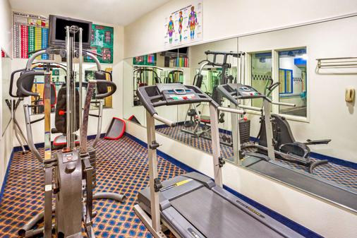Days Inn & Suites by Wyndham Gresham - Gresham - Fitnessbereich