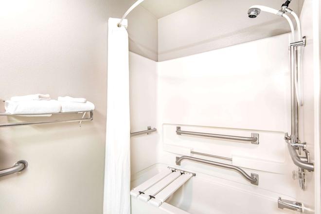 Super 8 by Wyndham Buena Vista - Buena Vista - Salle de bain