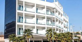 Hotel Oceanomare - Ravenna - Building