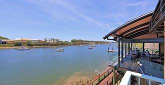 Burnett Riverside Hotel - Bundaberg - Outdoors view