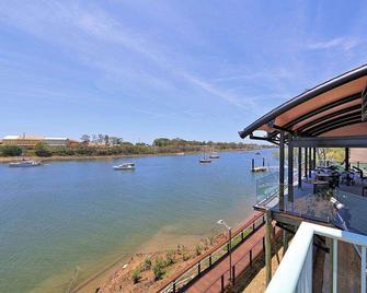 Burnett Riverside Hotel - Bundaberg - Außenansicht
