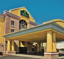 La Quinta Inn & Suites by Wyndham Hot Springs