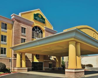 La Quinta Inn & Suites by Wyndham Hot Springs - Hot Springs - Gebäude