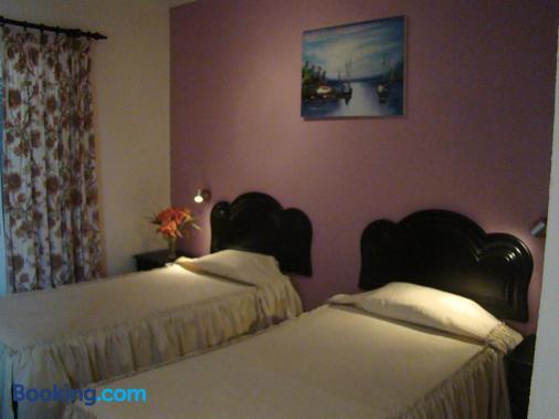 Residencial Melba - Funchal - Bedroom