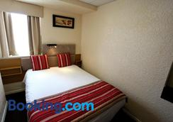 Clifton Court Metro Hotel - Blackpool - Bedroom