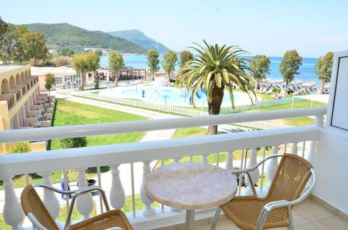 Messonghi Beach Hotel - Thị trấn Corfu - Ban công