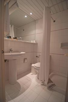 Messonghi Beach Hotel - Thị trấn Corfu - Phòng tắm