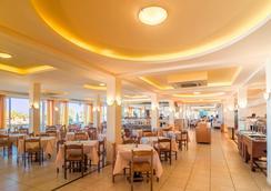 Messonghi Beach Hotel - Thị trấn Corfu - Nhà hàng