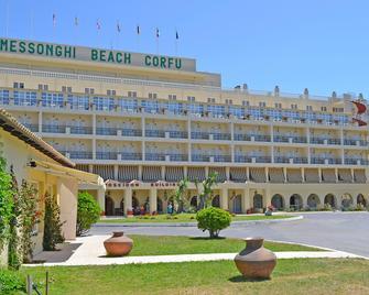 Messonghi Beach Hotel - Corfú - Edificio