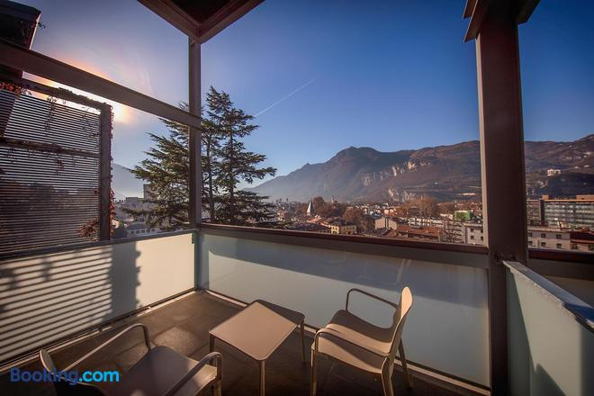 La Villa - Luxury Guest House - Trento - Balcony