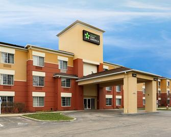 Extended Stay America - Cleveland - Airport - North Olmsted - North Olmsted - Building