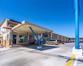 Motel 6 Odessa, TX - 2nd Street - Odessa - Gebouw