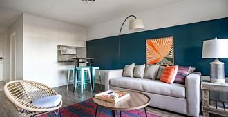 Wanderjaunt - Alessio - 2br - Point Loma - San Diego - Living room