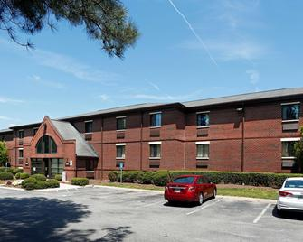 Extended Stay America - Raleigh - Cary - Harrison Ave. - Cary - Building