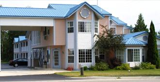 Great Lakes Inn - Mackinaw City - Edificio