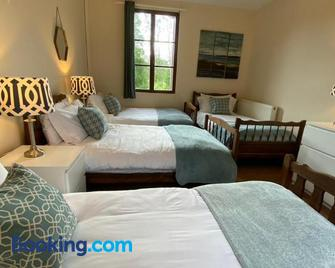 Stunning 5 bedroom French Manor house, Normandy - Belmesnil - Bedroom