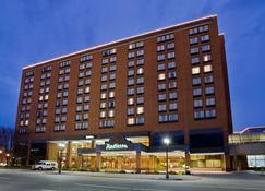 Radisson Hotel Lansing at the Capitol - Lansing - Gebäude