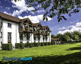 Hotel Restaurant Seegarten - Arbon - Building
