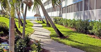 Sunset Beach Inn - Sanibel - Outdoor view