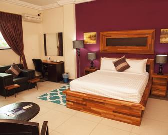 Kingstel Hotel - Takoradi - Habitación