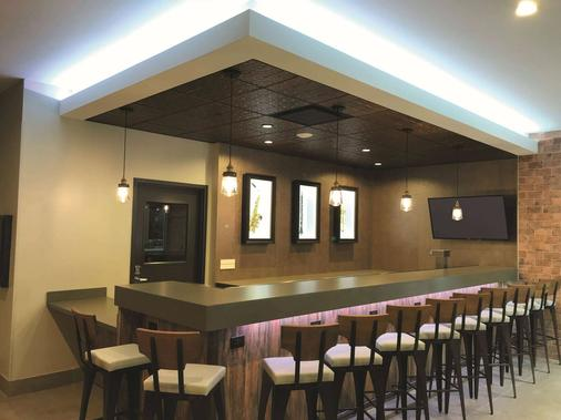 La Quinta Inn & Suites by Wyndham New Orleans Downtown - New Orleans - Bar