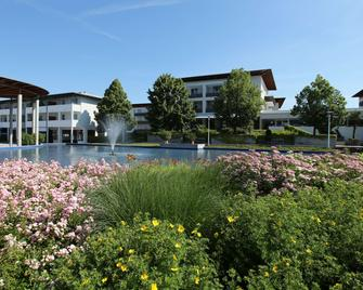 Spa Resort Therme Geinberg - Geinberg - Building