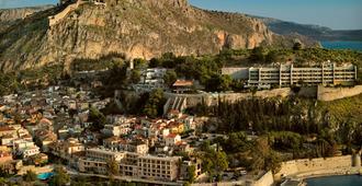 Ξενοδοχείο Αμφιτρύων - Ναύπλιο - Θέα στην ύπαιθρο