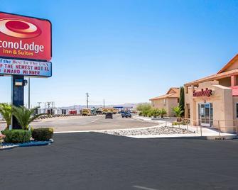 Econo Lodge Inn & Suites Ridgecrest - Ridgecrest - Gebouw