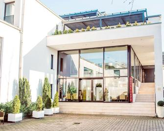 Lindenhof Hotel Tepe - Steinfeld - Building